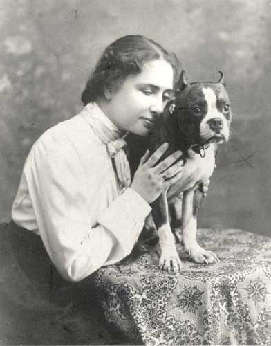 Hellen Keller and her bull dog Sir Thomas