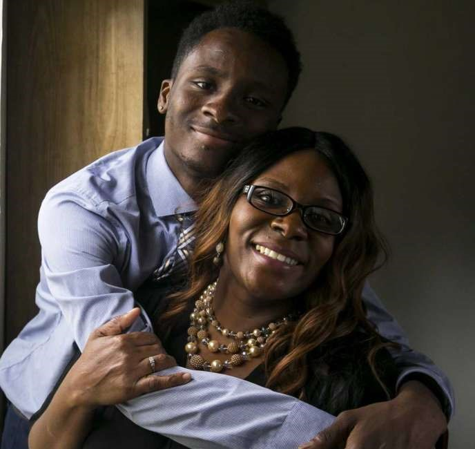 photo of Trevon and his mom